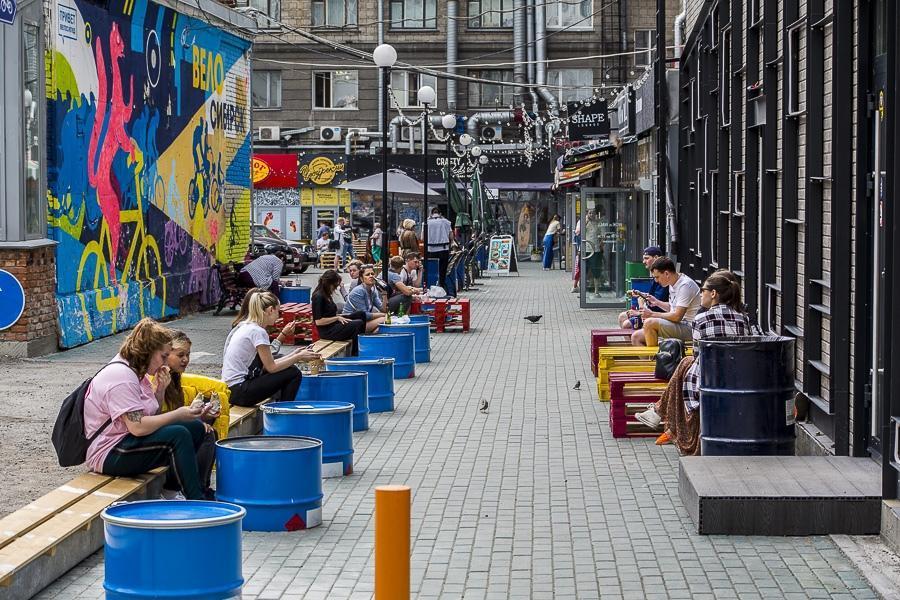 """фото """"На грани выживания"""": рестораторы просят Травникова назвать сроки открытия летних кафе 2"""