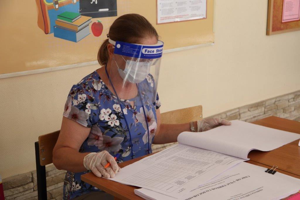 Фото В Новосибирской области стартовало голосование по поправкам в Конституцию: где и как работают избирательные участки 3
