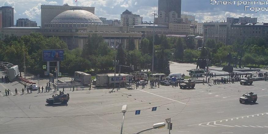 фото В Новосибирске началась репетиция парада Победы 17