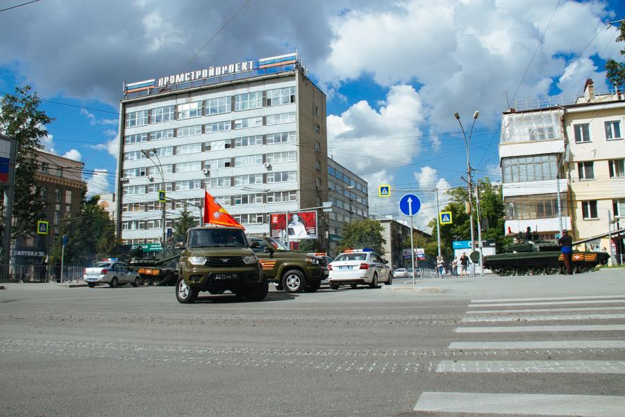 Фото Парад Победы в Новосибирске: лучшие кадры с закрытой от зрителей репетиции 16
