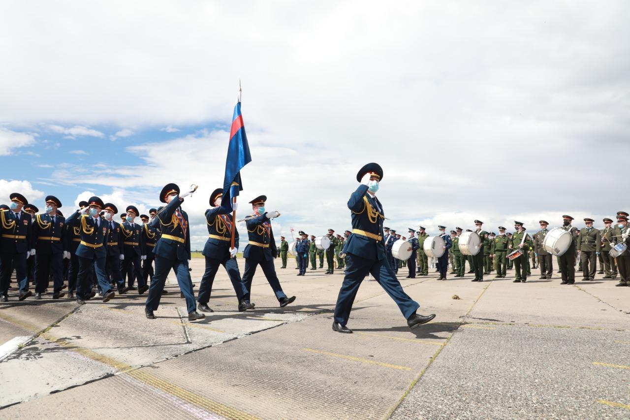 Фото При полном параде: лучшие кадры с закрытой репетиции военных в Новосибирске 2