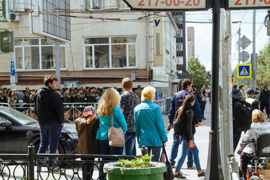 Фото Парад Победы в Новосибирске: лучшие кадры с закрытой от зрителей репетиции 20