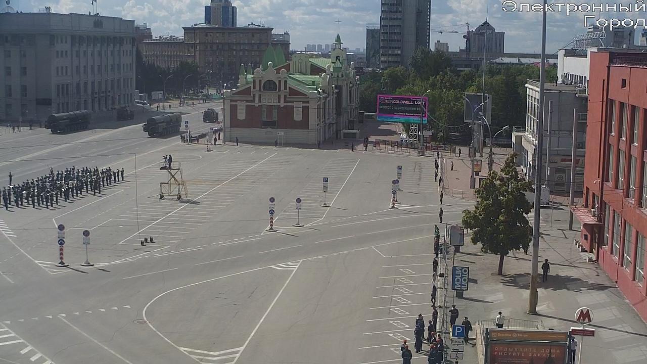 фото В Новосибирске началась репетиция парада Победы 20