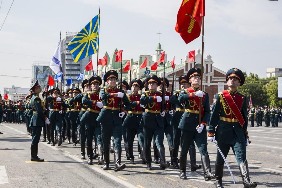 Фото Парад Победы в Новосибирске: лучшие кадры с закрытой для зрителей площади Ленина 7