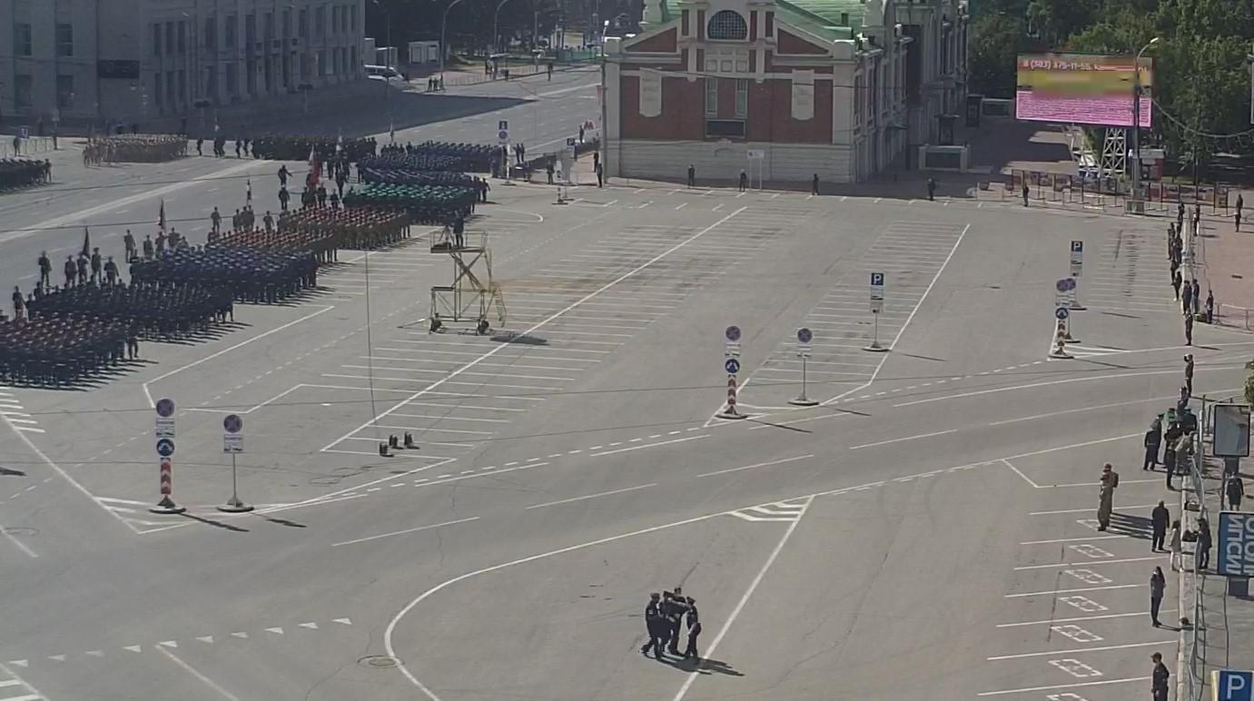 фото В Новосибирске началась репетиция парада Победы 13