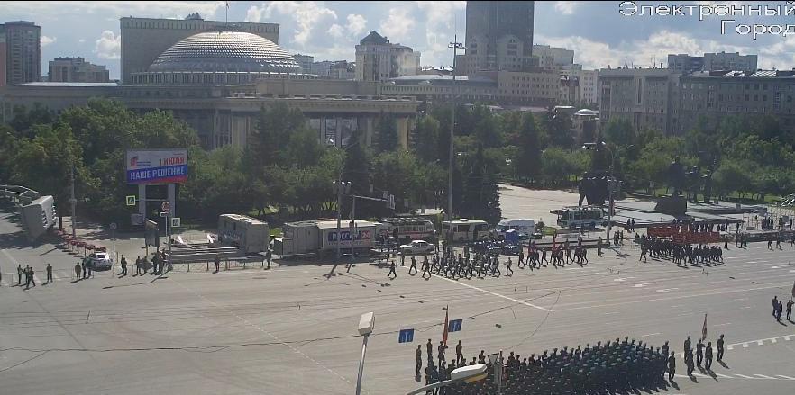 фото В Новосибирске началась репетиция парада Победы 14