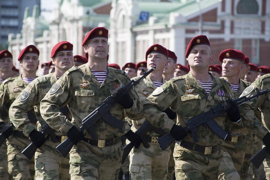 Фото Парад Победы в Новосибирске: лучшие кадры с закрытой для зрителей площади Ленина 6