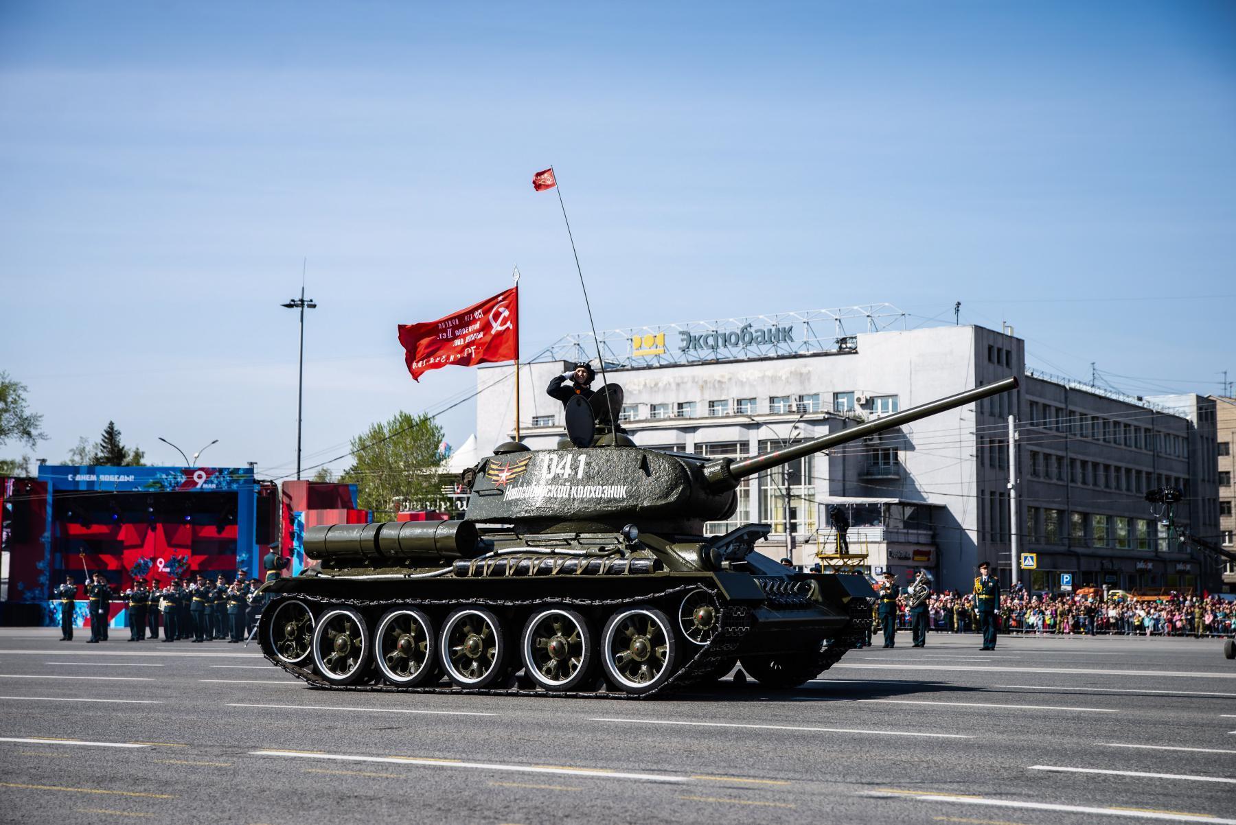 фото Новый «Град» и «Элерон»: военные представили дебютантов парада Победы в Новосибирске 3