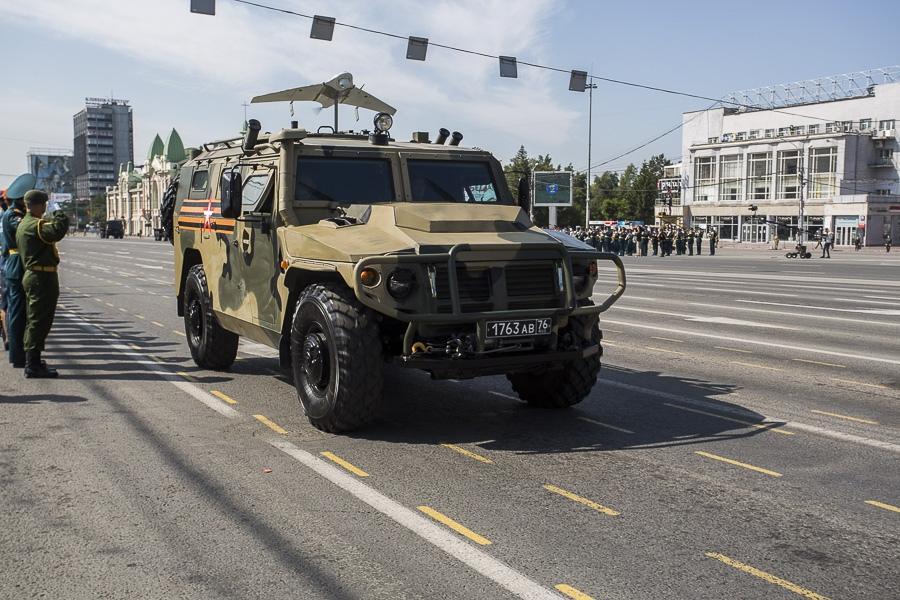 Фото Парад Победы в Новосибирске: лучшие кадры с закрытой для зрителей площади Ленина 16