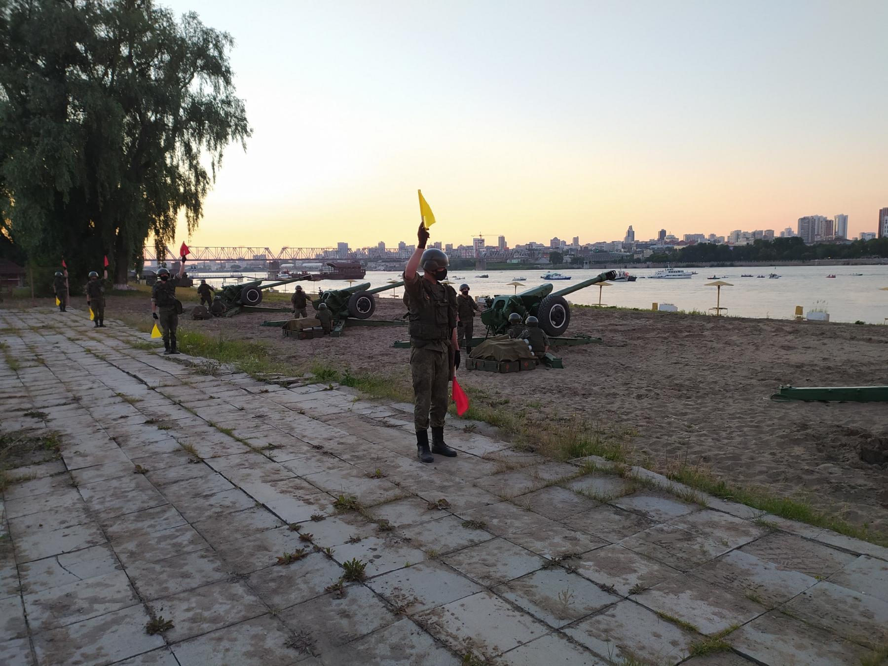 фото Обратная сторона салюта: как готовили фейерверк в Новосибирске и кто стрелял 6