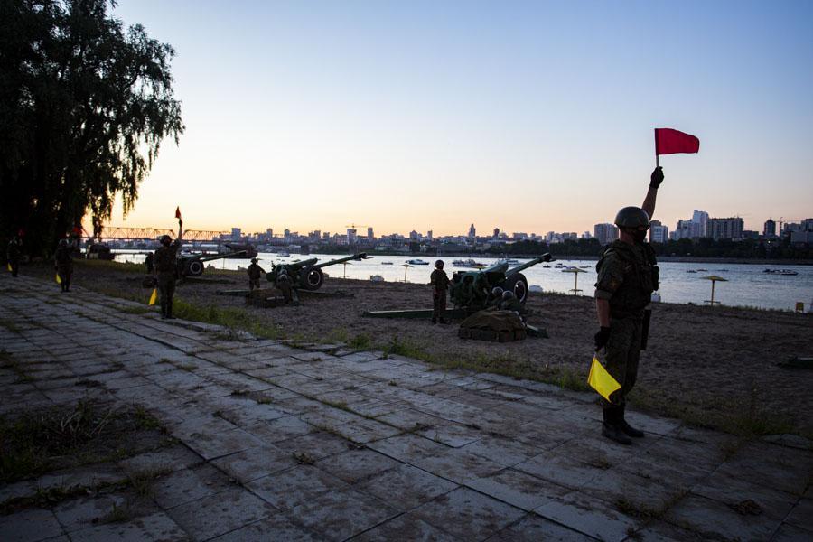 фото Обратная сторона салюта: как готовили фейерверк в Новосибирске и кто стрелял 2