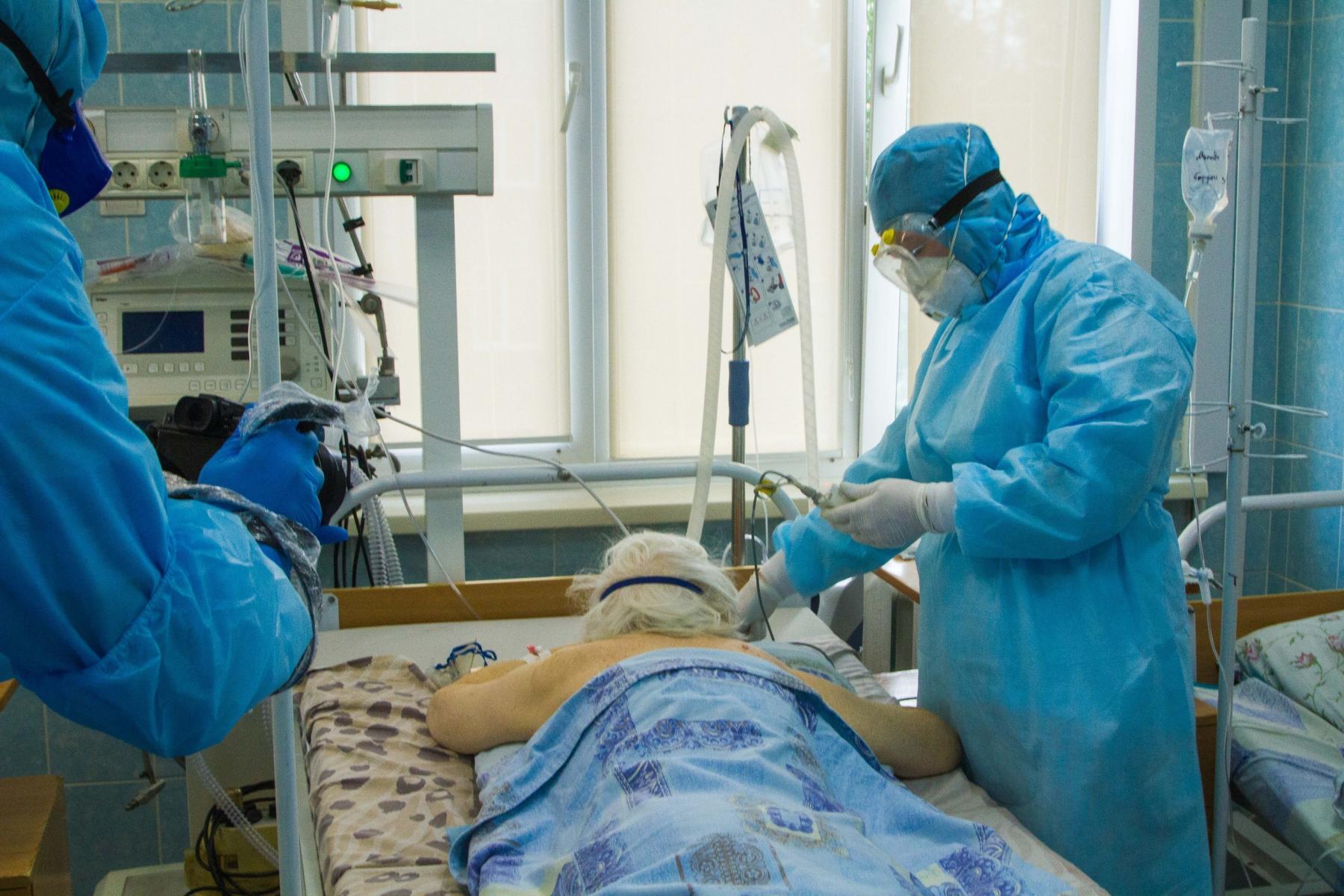 фото «Пандемия даже не близится к завершению»: мрачный прогноз о коронавирусе от главы ВОЗ 2