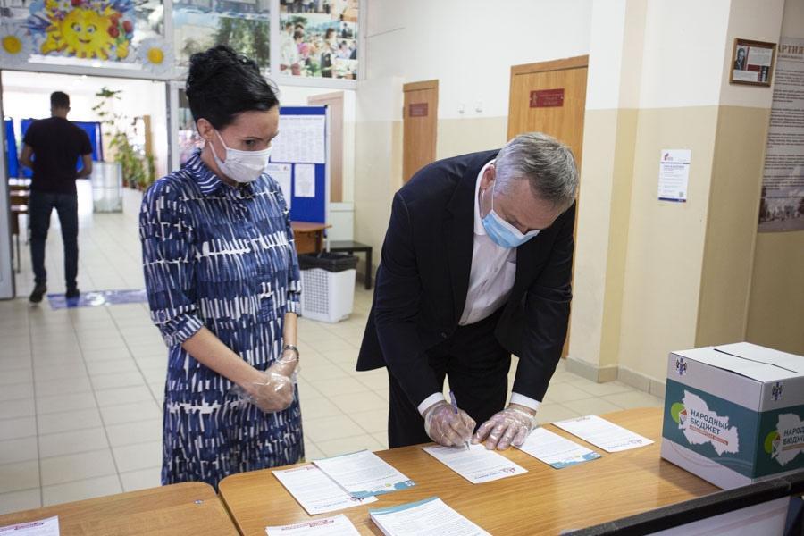 фото Инициативу о присвоении Новосибирску звания «Города трудовой доблести» поддержали уже более 200 тысяч человек 2