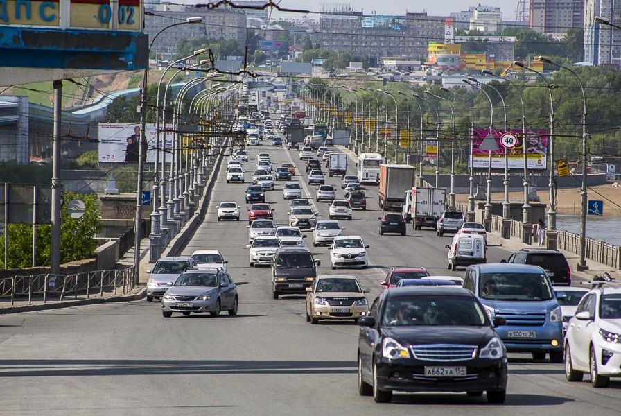 фото Центр Новосибирска перекроют из-за парада Победы: полный список улиц, на которые не пустят авто 3