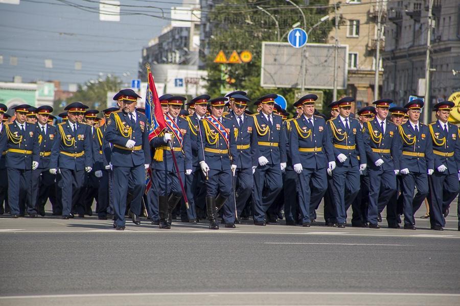 Фото Парад Победы в Новосибирске: лучшие кадры с закрытой для зрителей площади Ленина 26