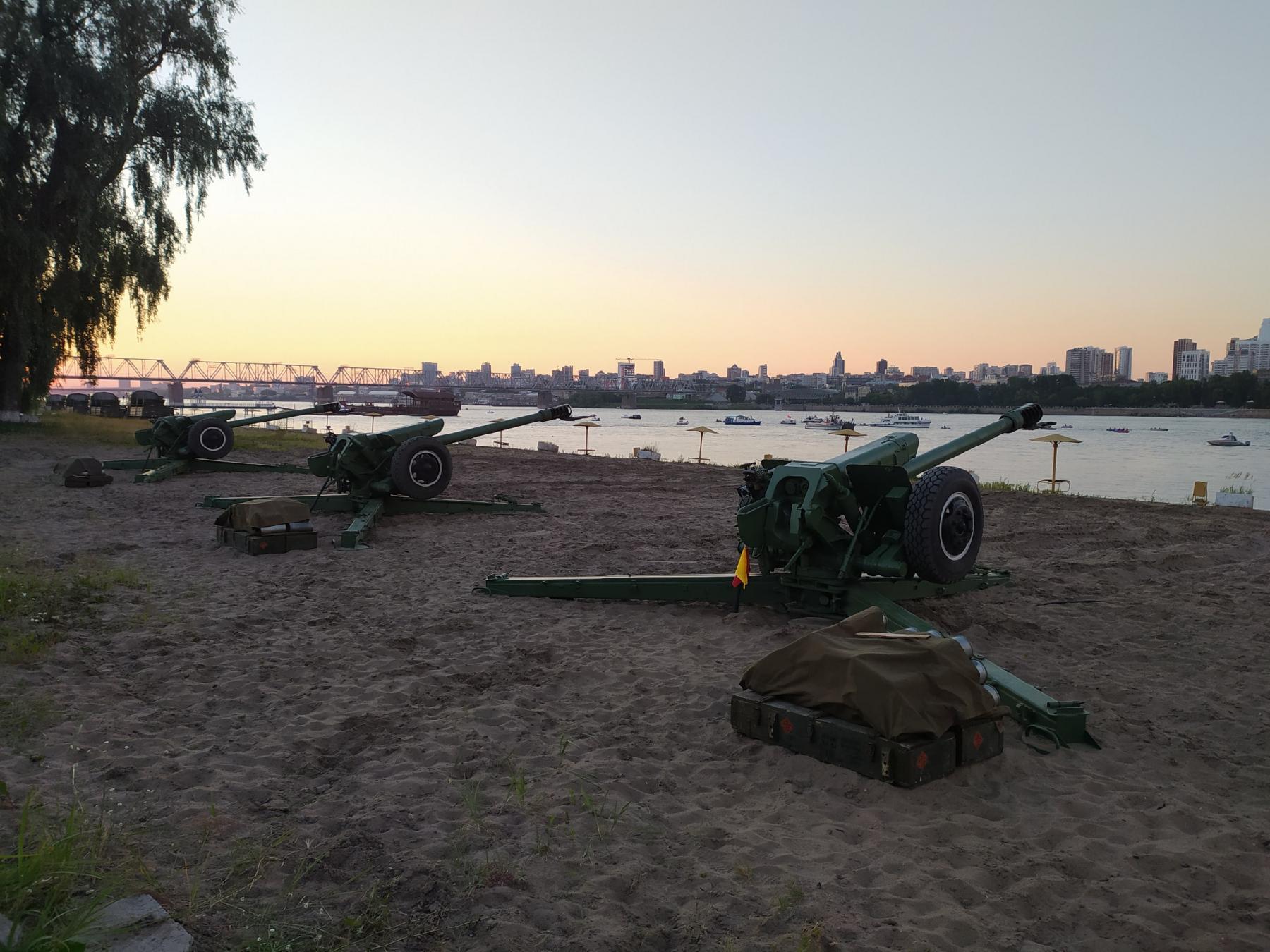 фото Обратная сторона салюта: как готовили фейерверк в Новосибирске и кто стрелял 9