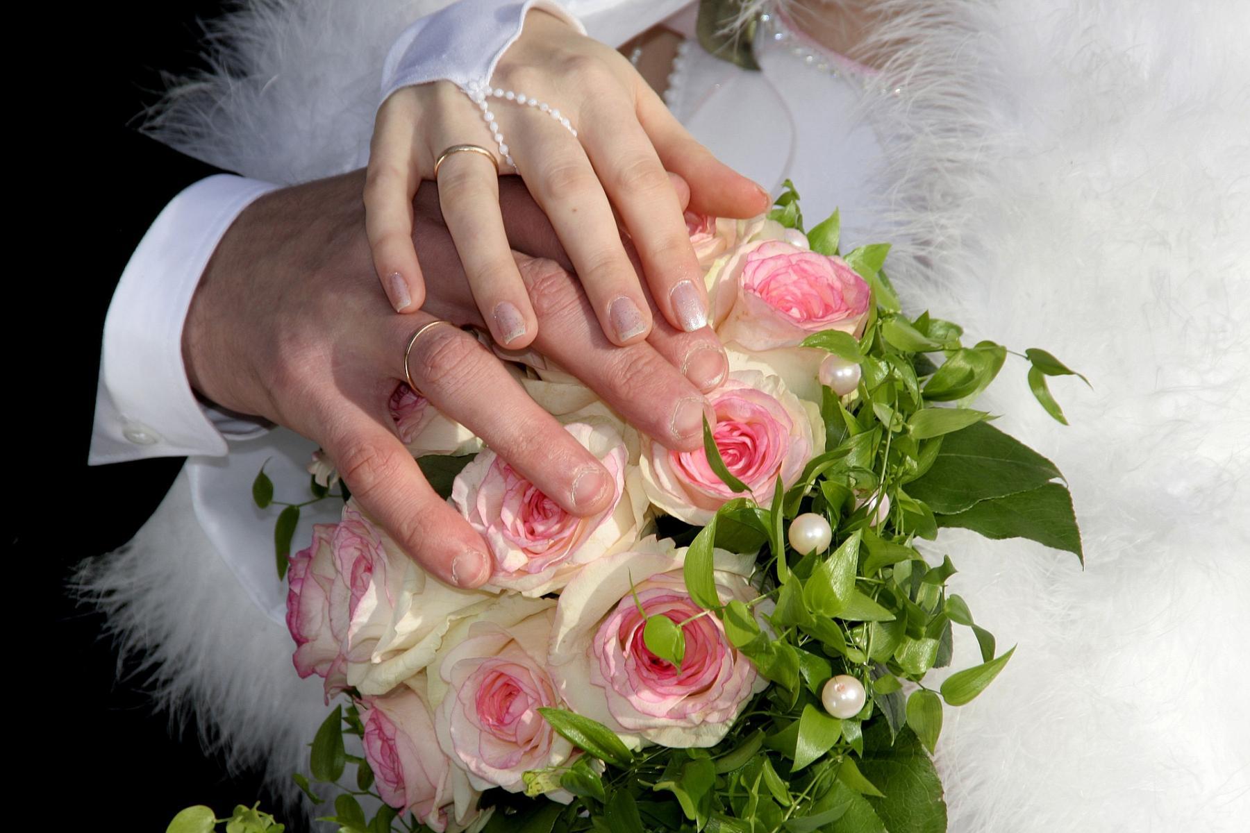 фото Объявляю вас мужем и женой: московские ЗАГСы 23 июня возобновят торжественные регистрации браков 2