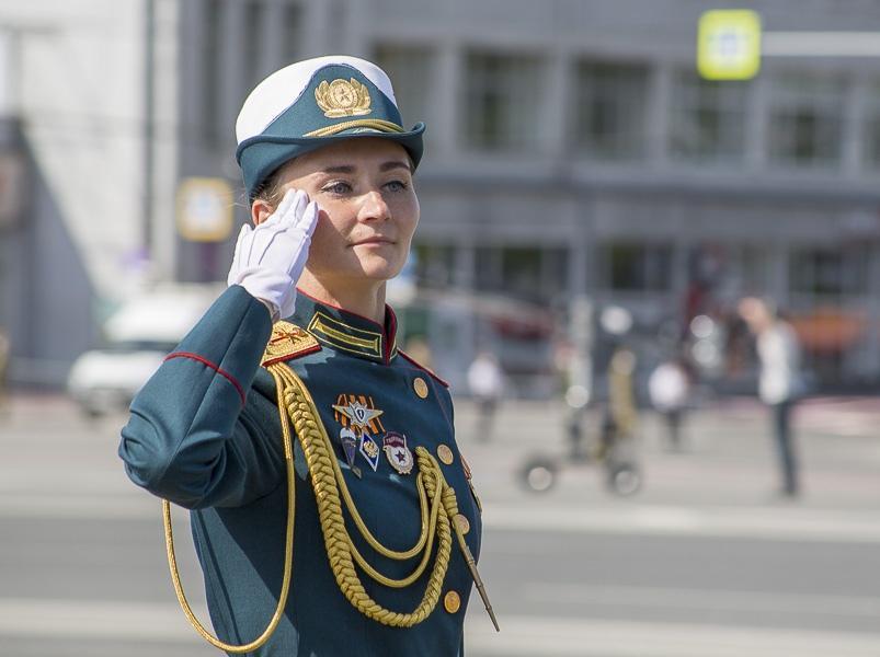 Фото Парад Победы в Новосибирске: лучшие кадры с закрытой для зрителей площади Ленина 10