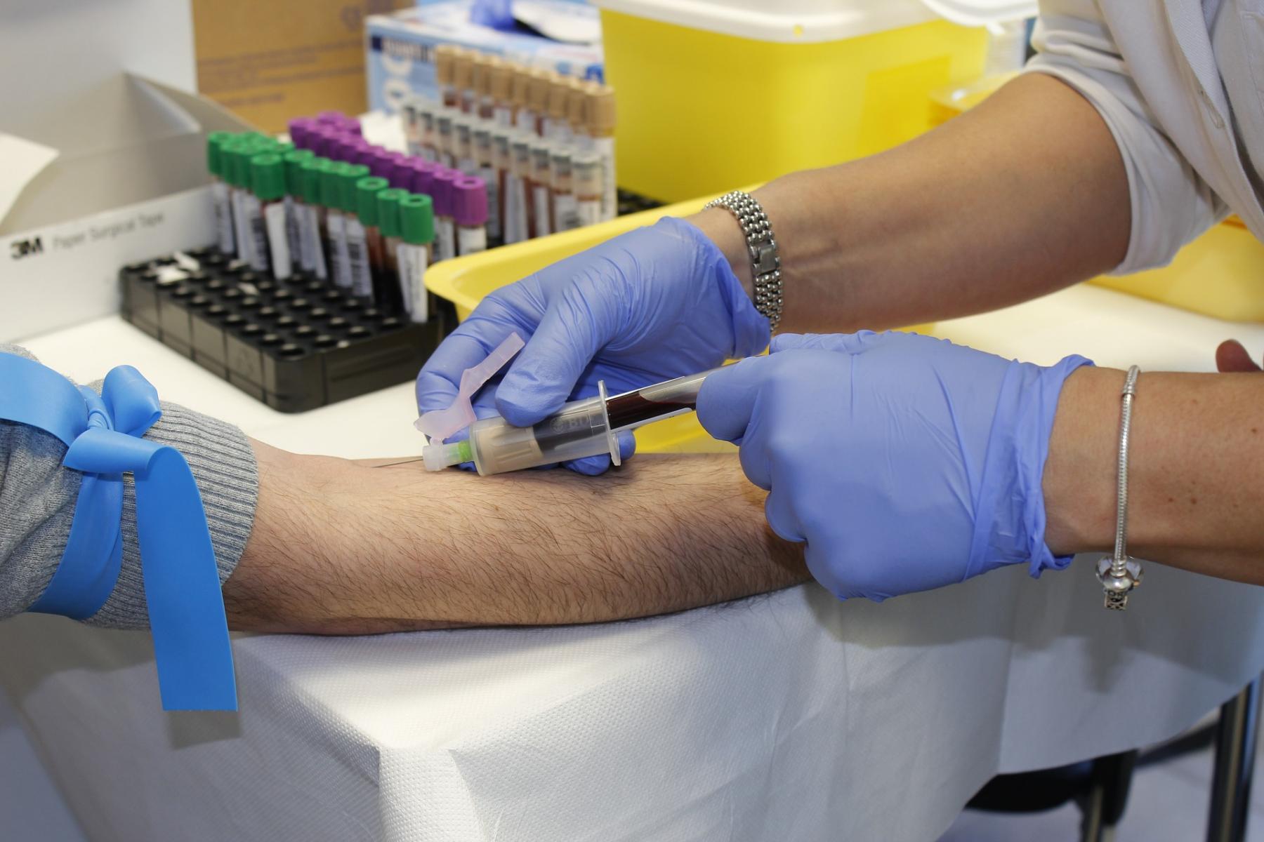 фото Учёные выявили группу крови, носители которой меньше всего подвержены риску заражения COVID-19 2