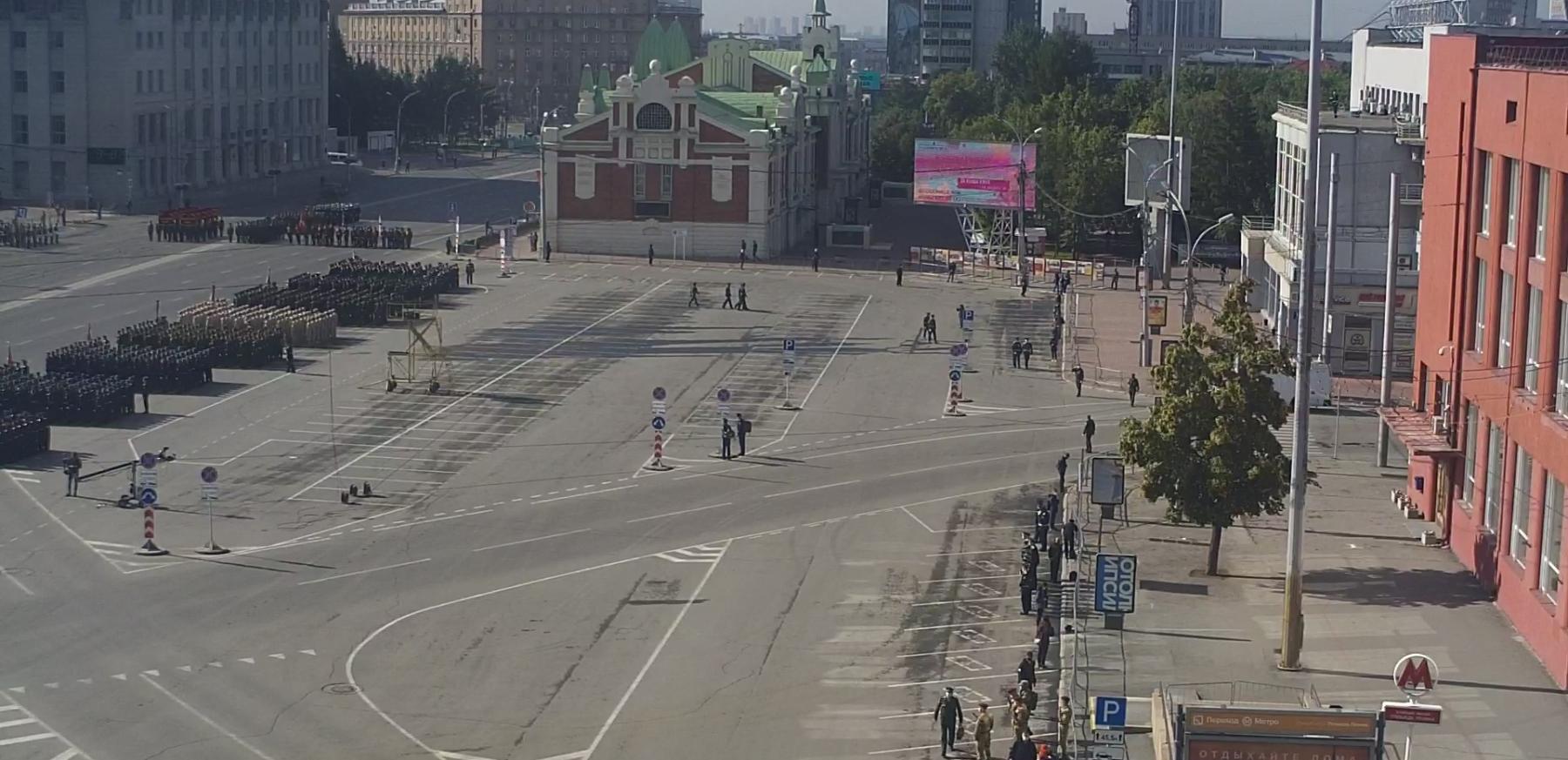 фото В Новосибирске началась репетиция парада Победы 3