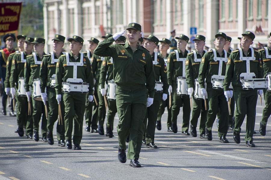 Фото Парад Победы в Новосибирске: лучшие кадры с закрытой для зрителей площади Ленина 13