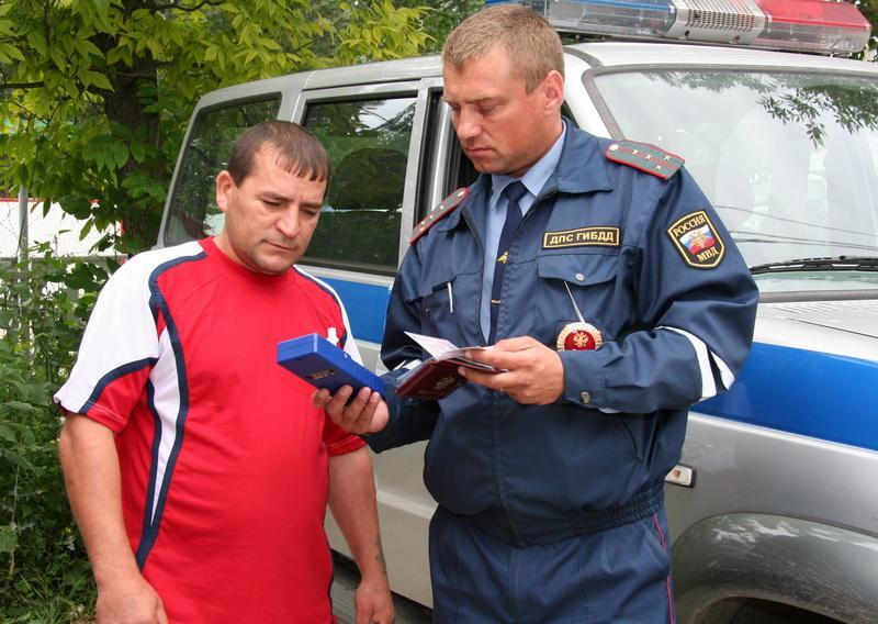 фото Тотальные проверки: ГИБДД в Новосибирске уже ловит пьяных водителей без предупреждения 2