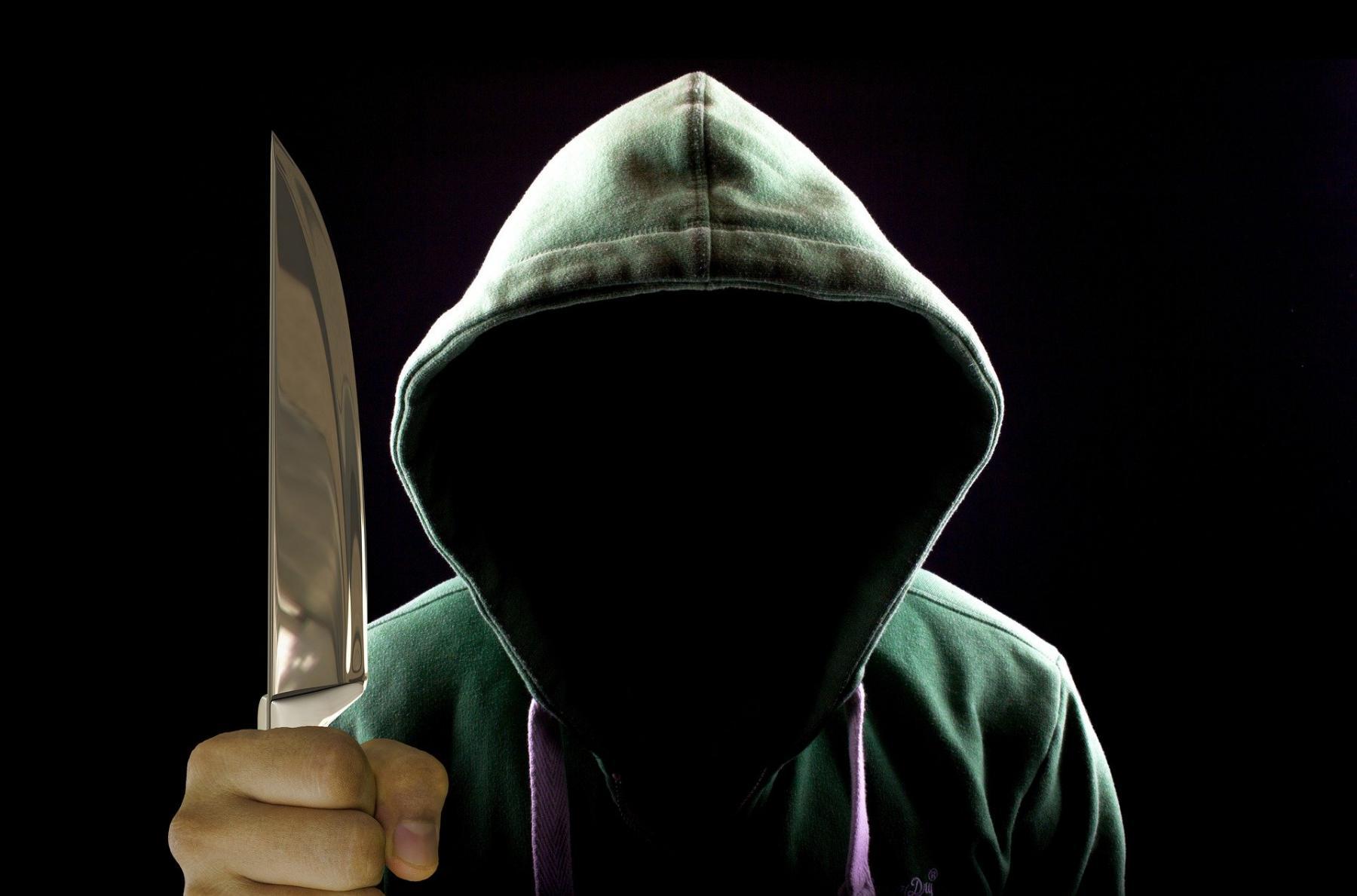 фото Нанёс 19 ударов ножом: на Алтае ревнивец жестоко зарезал собутыльника 2