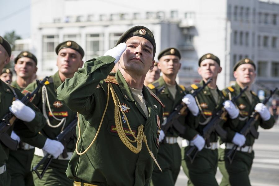 Фото Парад Победы в Новосибирске: лучшие кадры с закрытой для зрителей площади Ленина 23