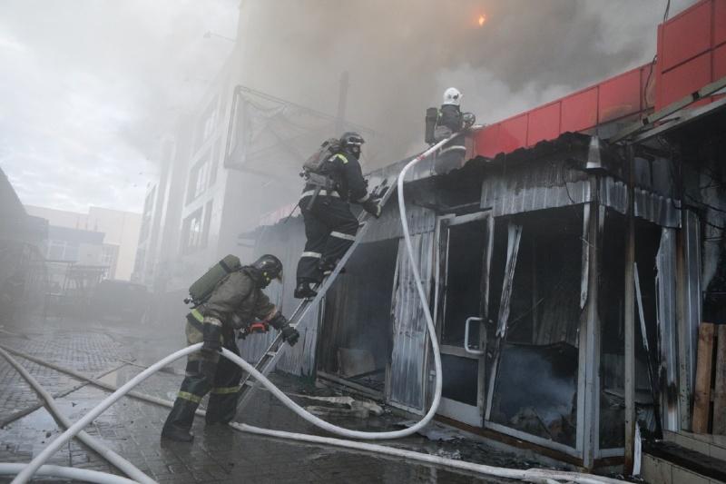 фото Названа предварительная причина пожара на Центральном рынке в Новосибирске 2