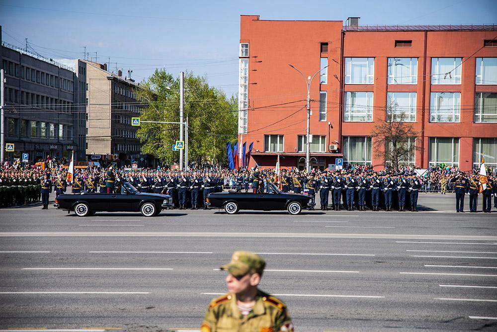 фото Ещё больше зрителей: на просмотр парада в Новосибирске пустят общественные движения и журналистов 2