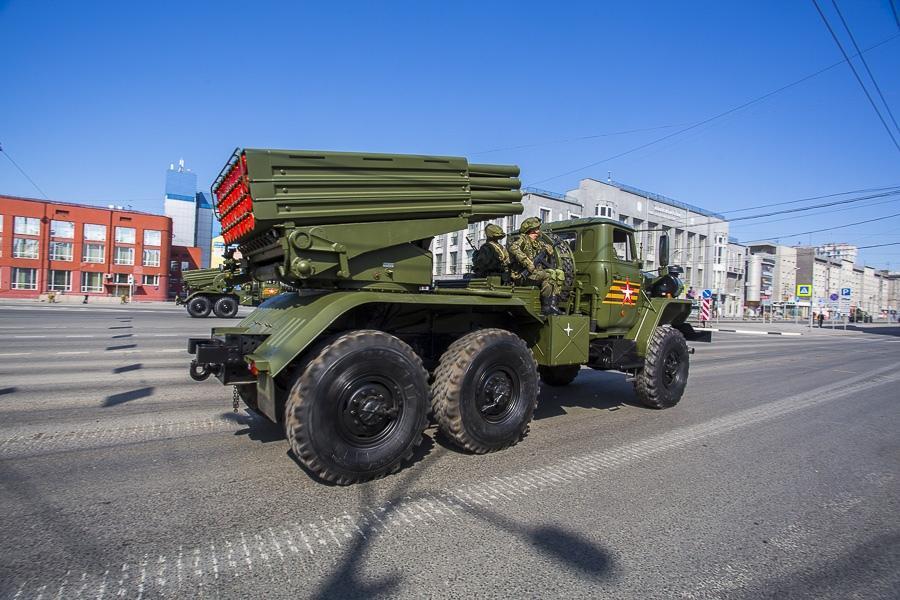 Фото Парад Победы в Новосибирске: лучшие кадры с закрытой для зрителей площади Ленина 22