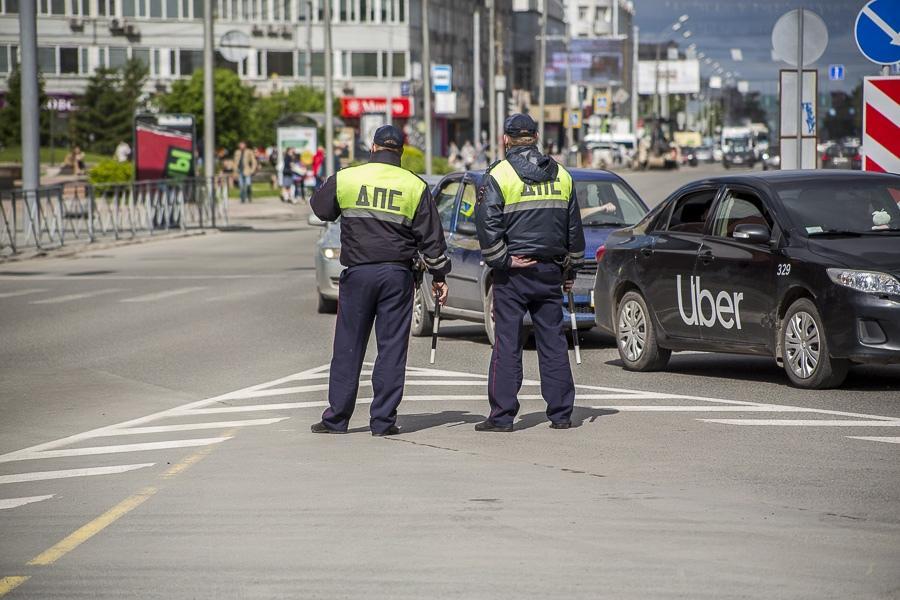 фото «Они косячат, а мне штраф платить?»: новосибирцы жалуются на проблемы с регистрацией автомобилей 7