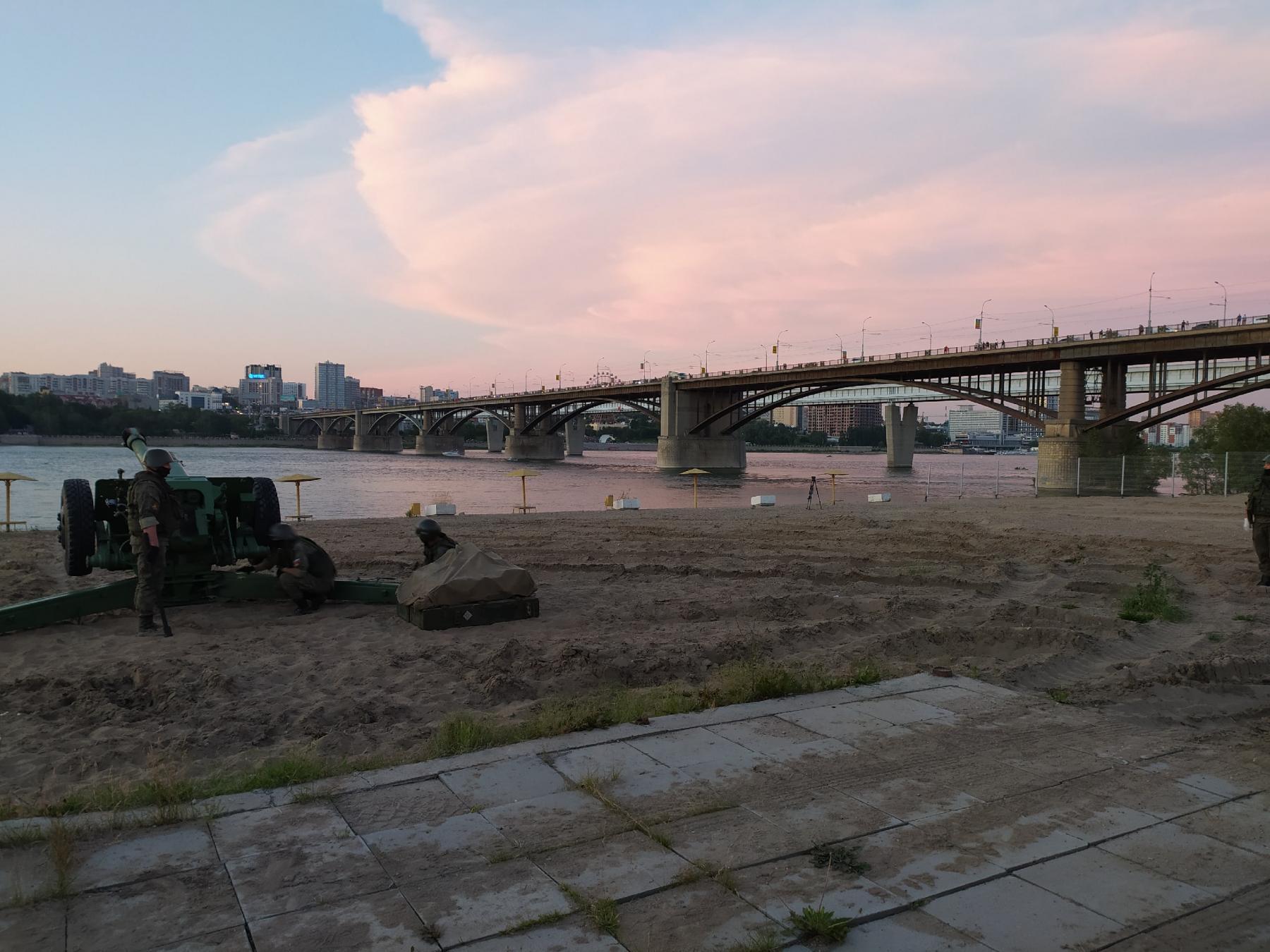фото Обратная сторона салюта: как готовили фейерверк в Новосибирске и кто стрелял 5
