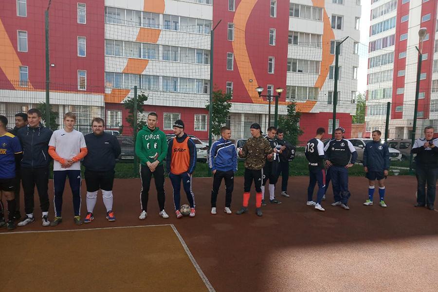 фото В микрорайоне Матрёшкин двор состоялся Открытый кубок по мини-футболу среди дворовых команд 2