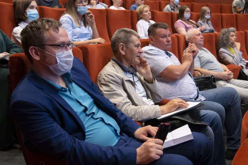 фото Новосибирцев позвали на открытый диалог с СГК и рассказали, почему нельзя летом не отключать горячую воду 4