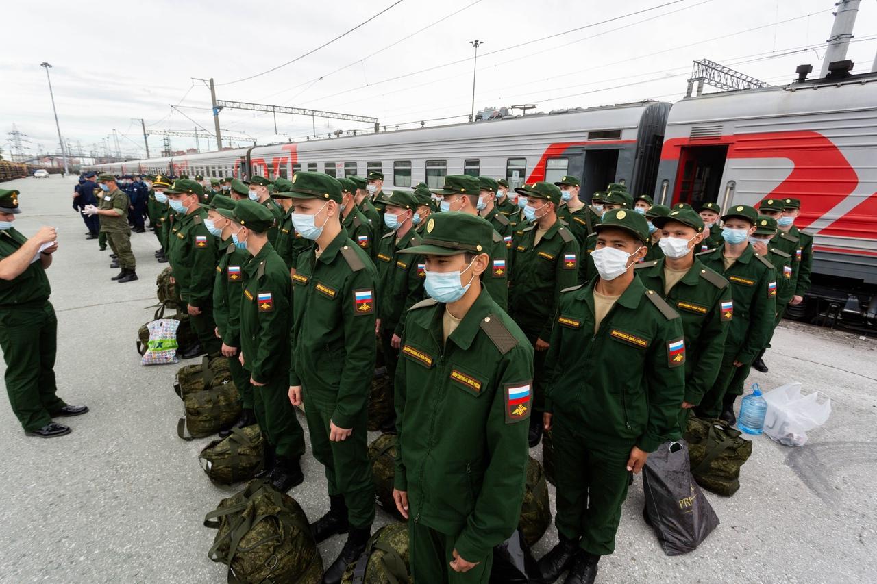 фото Первый эшелон призывников из Новосибирска отправили в Приморский край 4