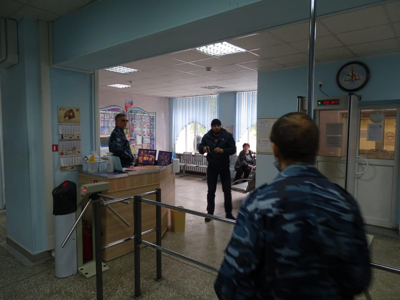 фото В школах Новосибирска отработали защиту от терактов после стрельбы в Казани 2