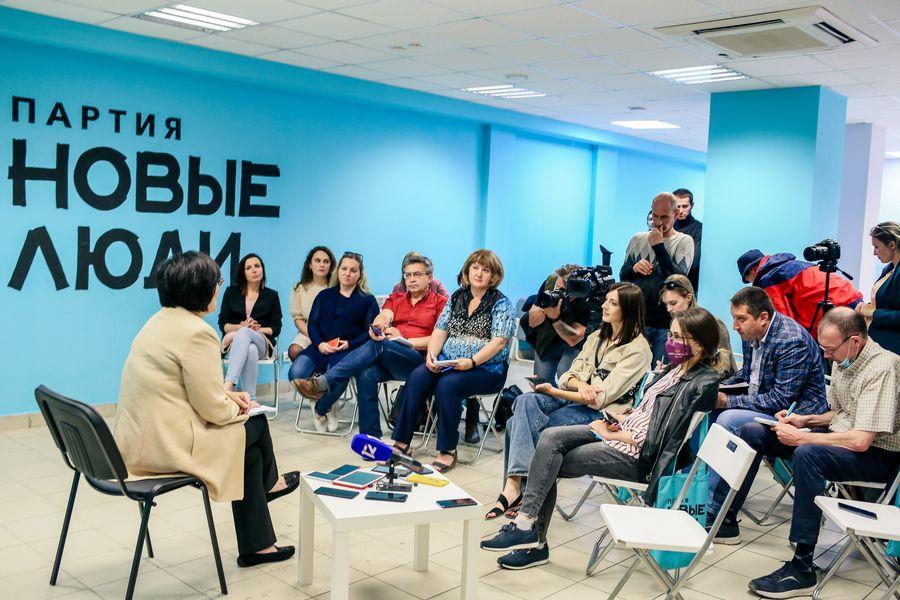 Фото Эксперт партии «Новые люди» Сардана Авксентьева предложила, как помочь Омску решить экологические проблемы 3