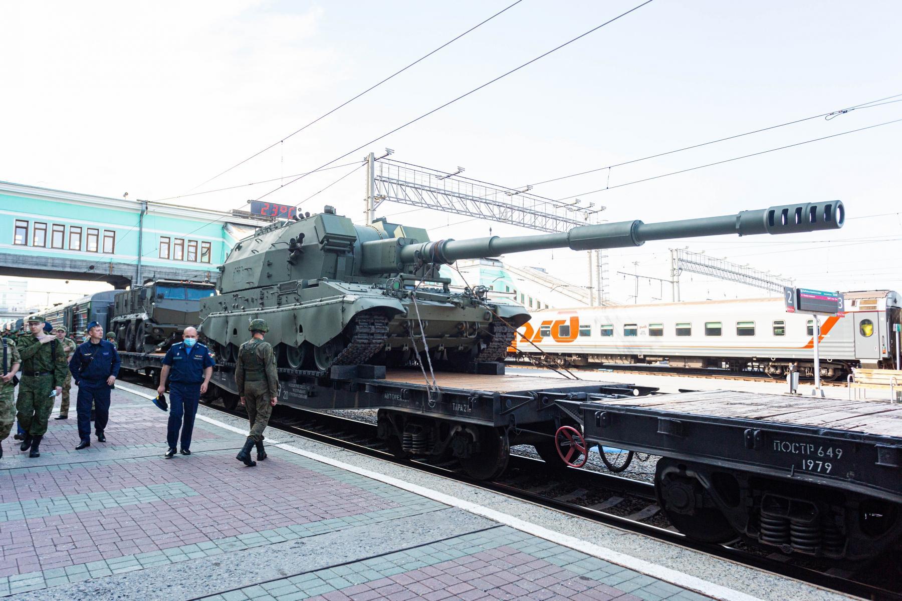 Фото Тематический поезд акции «Мы – армия страны! Мы – армия народа!» прибыл в Новосибирск 8