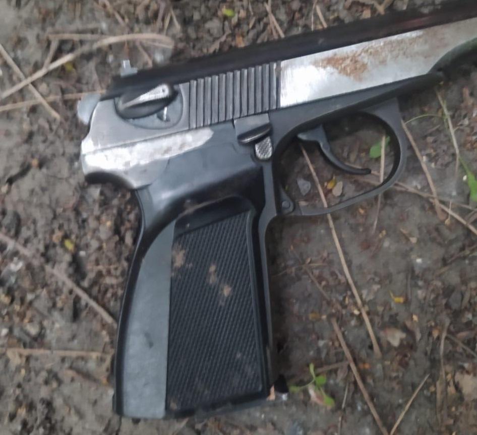 Фото Прострелил живот прохожему из пистолета со спиленным номером: подробности кровавой бойни в центре Новосибирска 3