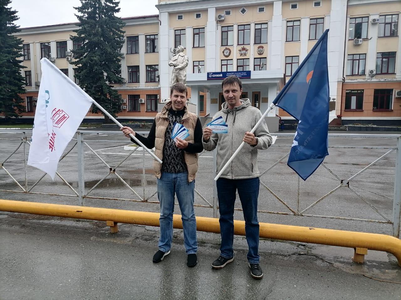 фото Двое автолюбителей из Новосибирска выиграли 50 литров бензина в розыгрыше «Дозаправка» 2