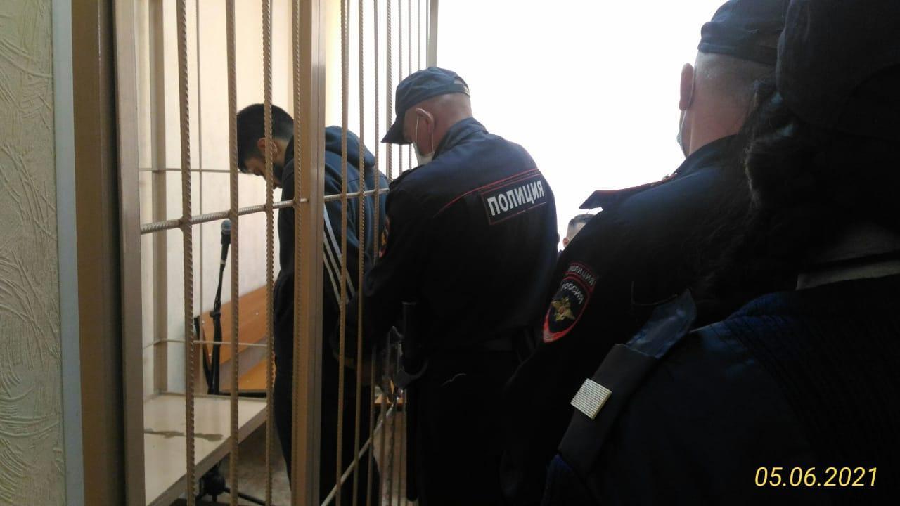 фото Суд в Новосибирске на два месяца арестовал оказавшего сопротивление полицейским в Мошково Илькина Исмаилова 2