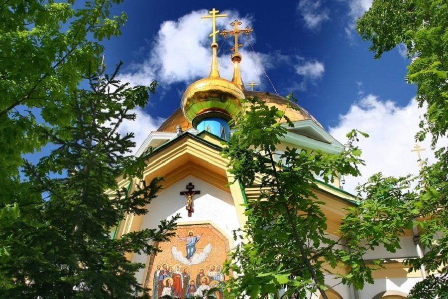Фото Православные верующие отмечают Вознесение Господне 2