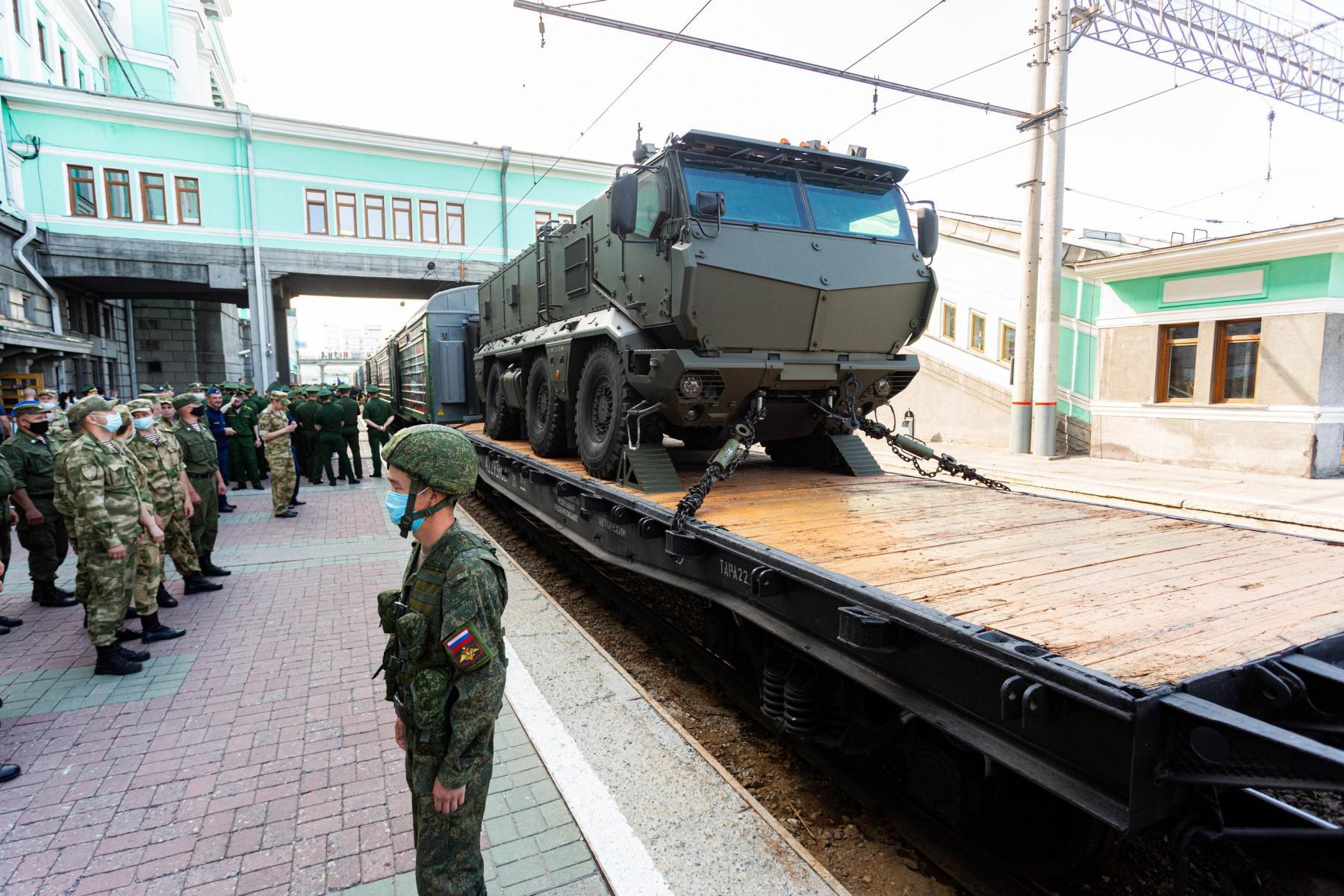 Фото Тематический поезд акции «Мы – армия страны! Мы – армия народа!» прибыл в Новосибирск 5