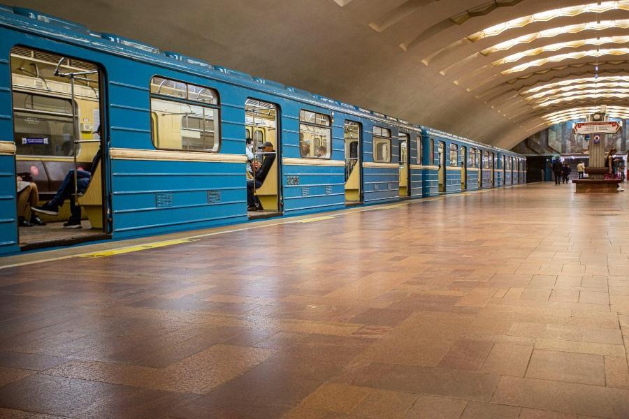 фото Вход на станцию метро «Площадь Ленина» отремонтируют в 2021 году в Новосибирске 2