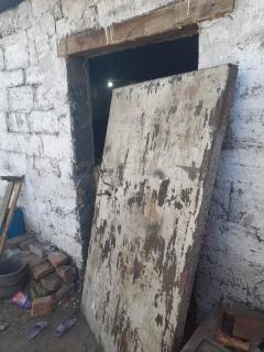Фото 4-летнюю девочку придавило железной дверью на Алтае 2