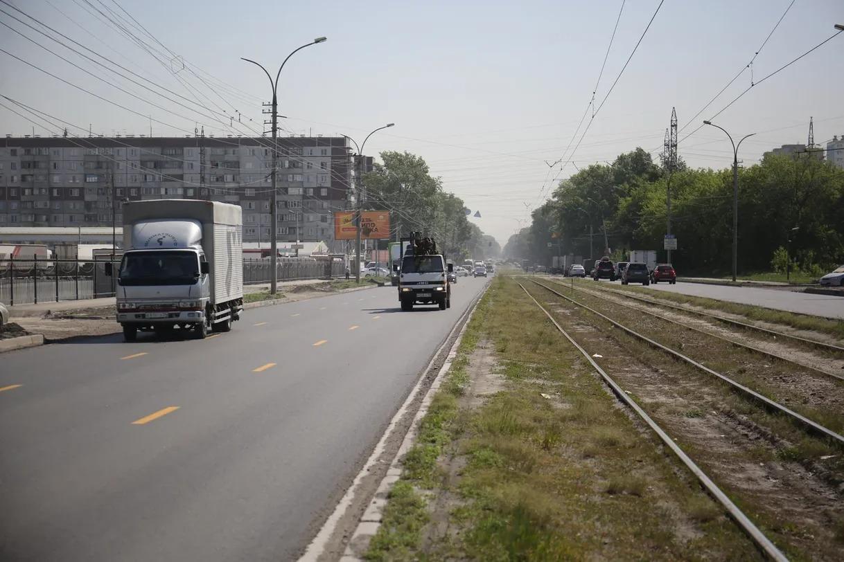 фото Летний фронт работ новосибирских дорожников – главные магистрали Кировского района 3