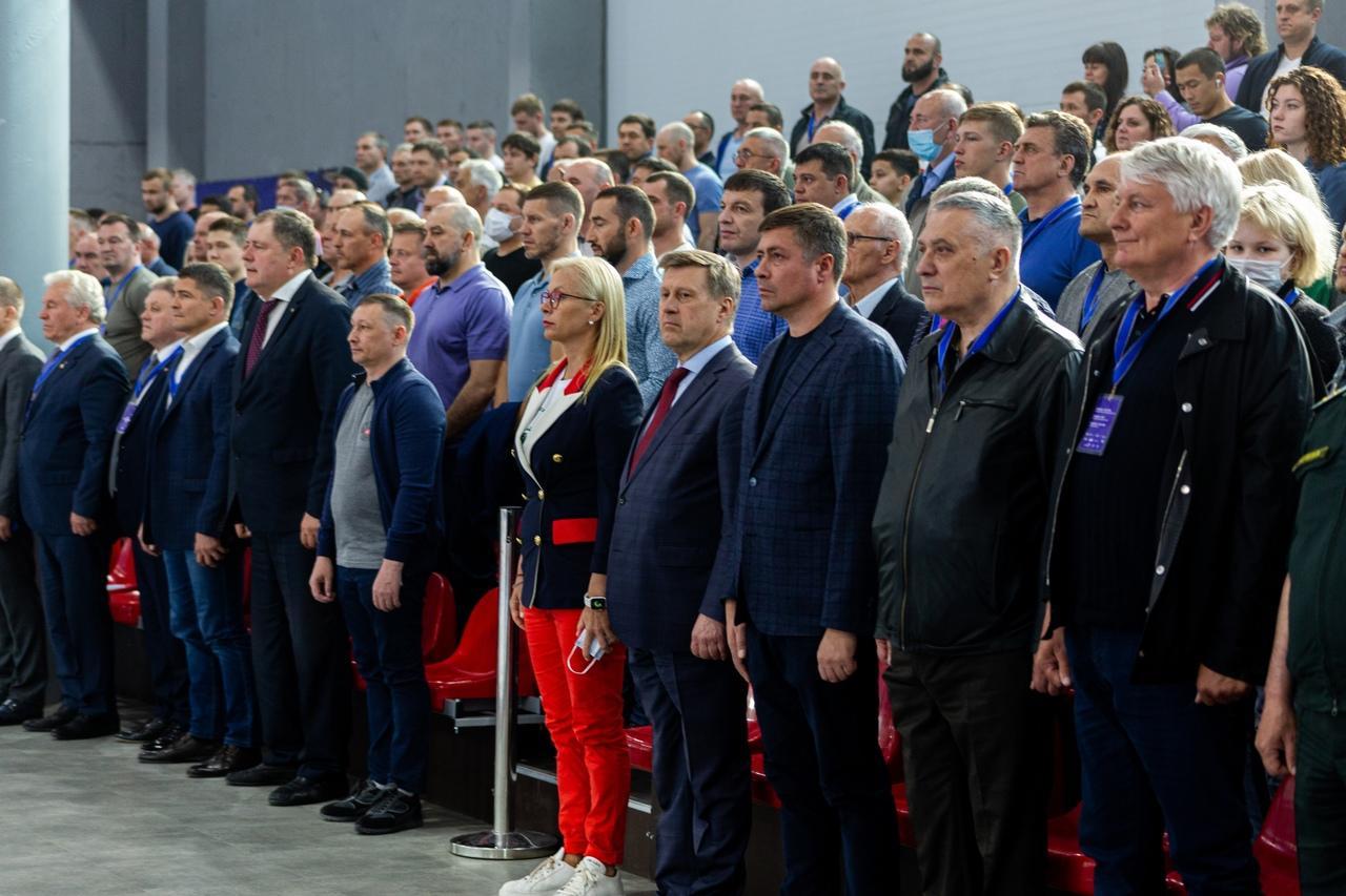фото В Новосибирске прошли соревнования по греко-римской борьбе памяти Петра Барбашова 3