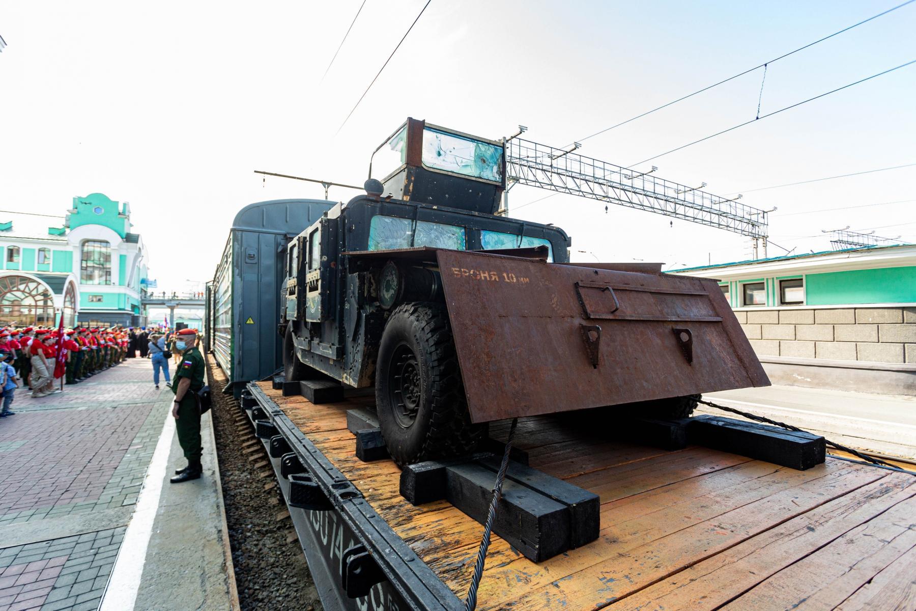 Фото Тематический поезд акции «Мы – армия страны! Мы – армия народа!» прибыл в Новосибирск 9