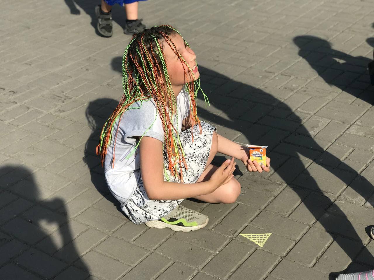 фото Сотни детей отметили начало лета на Бульваре Победы 5